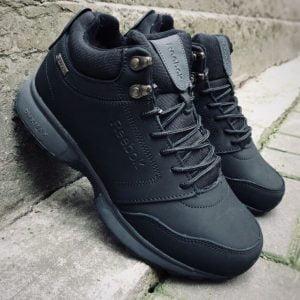 Ботинки кроссовки Reebok черные с мехом