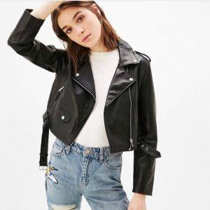 Кожаная женская куртка короткая