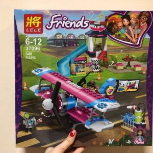 Конструктор LELE Friends 3096 Аэродром