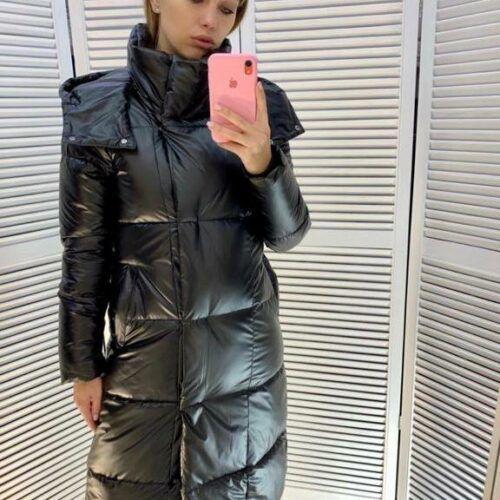 Женская зимняя длинная куртка с капюшеном черная