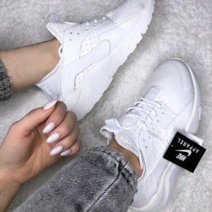 Кроссовки Nike Air Huarache белые женские