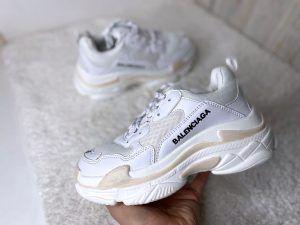 Женские кроссовки Balenciaga Triple S  белые