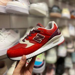 Кроссовки женские Нью Баланс 530 красные