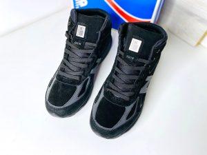 Кроссовки New Balance 990 черные с мехом