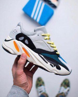 Кроссовки Adidas Easy 700