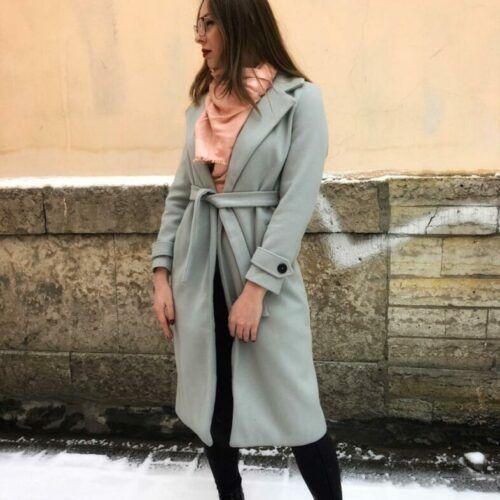 Женское пальто серо-голубое в СПбу