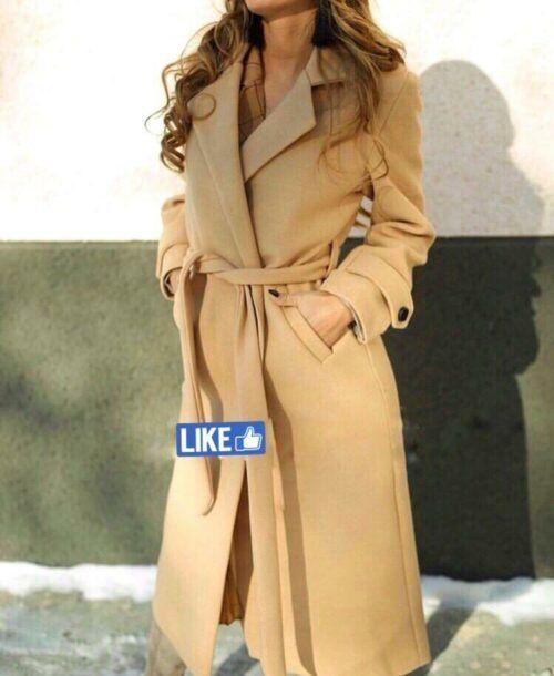 Женское бежевое пальто в Санкт-Петербурге