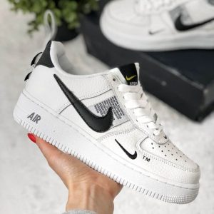 Кроссовки Nike Air Force 1'07 LV8, лимитированная серия, белые