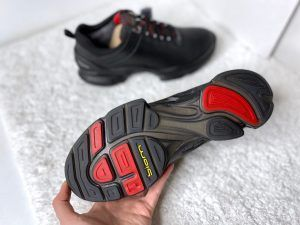 Кроссовки черные c красным зимние с мехом Ecco Biom