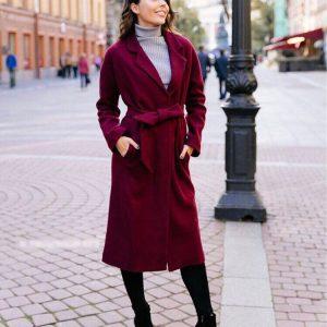 Бордовое пальто с поясом
