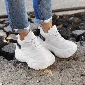 Кроссовки Vetements белые