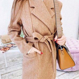 Женское пальто с поясом Camel