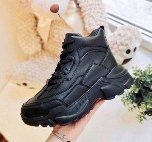 Зимние кроссовки на платформе Future