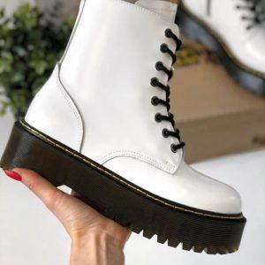 Кожаные осенние ботинки Dr. Martens белые