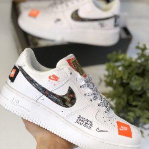 Белые кеды Nike Air Forse 1 07 PRM JDI JUST DO IT