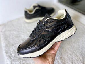 Кроссовки New Balance 990 черные с белым кожаные