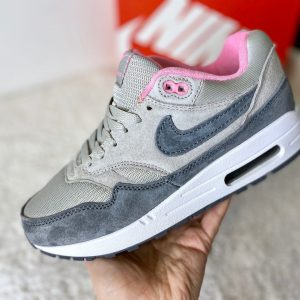 Кроссовки Nike Air Max 1 серые с розовым