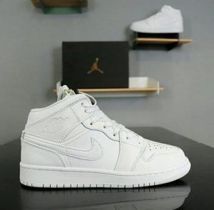 Кеды Nike Air Jordan Retro High белые