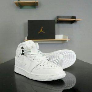 Кеды Nike Air Jordan Retro High белые