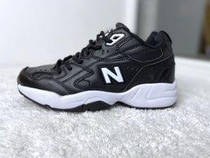 Кроссовки Нью Баланс 608 черные с белые кожаные
