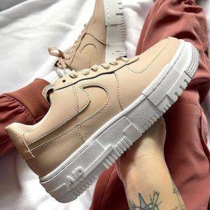 Женские кроссовки Nike Air Force 1 Pixel