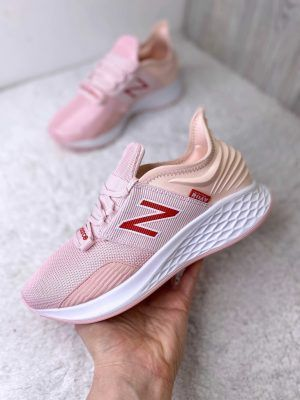 Кроссовки New Balance Fresh Foam Roam pink