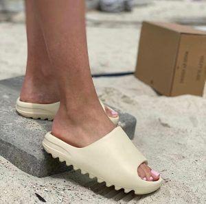 Шлепанцы Adidas Yeezy Slider