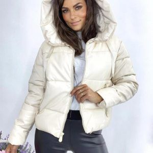 Дутая куртка кожаная с капюшоном молочная
